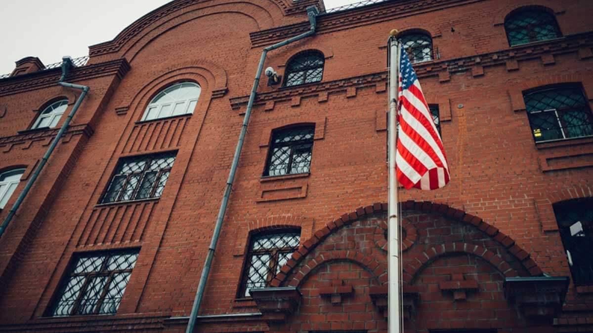 здание флаг США