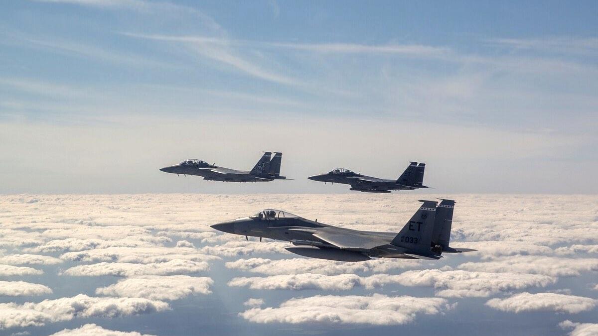 Звено истребителей F-15EX ВВС США