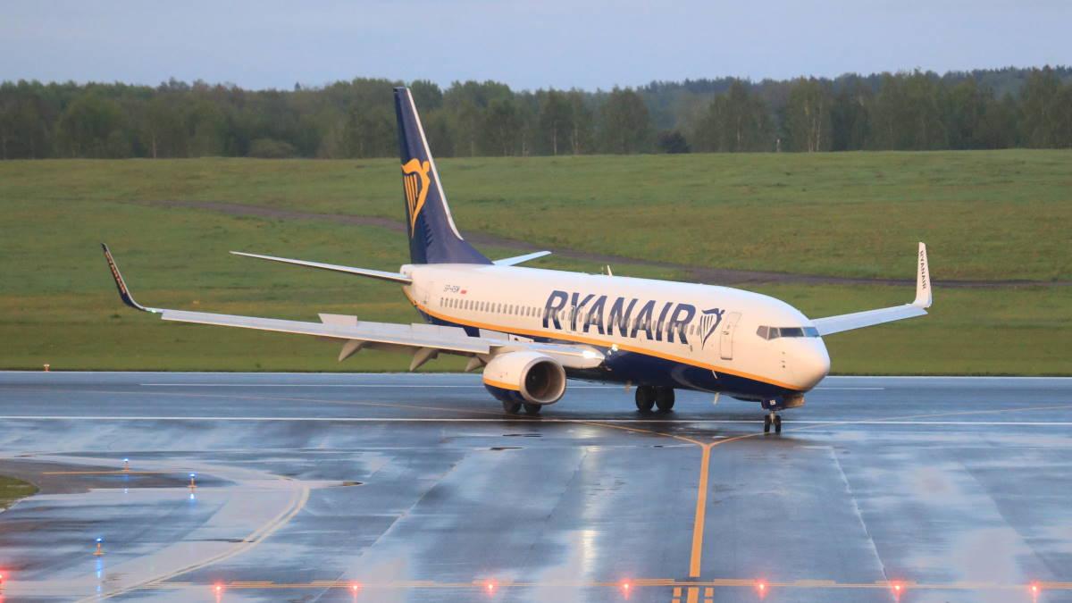 Ryanair Boeing 737-8AS FR4978 самолёт в Белоруссии