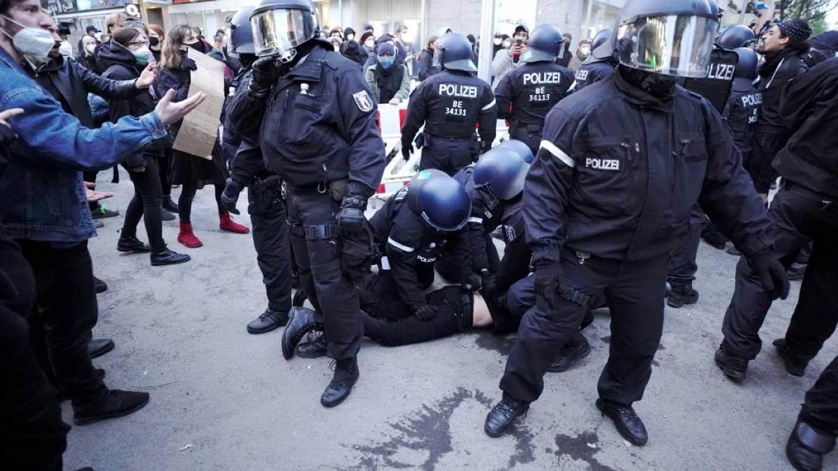 Германия протесты полиция