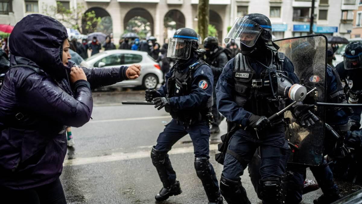 Франция митинг полиция