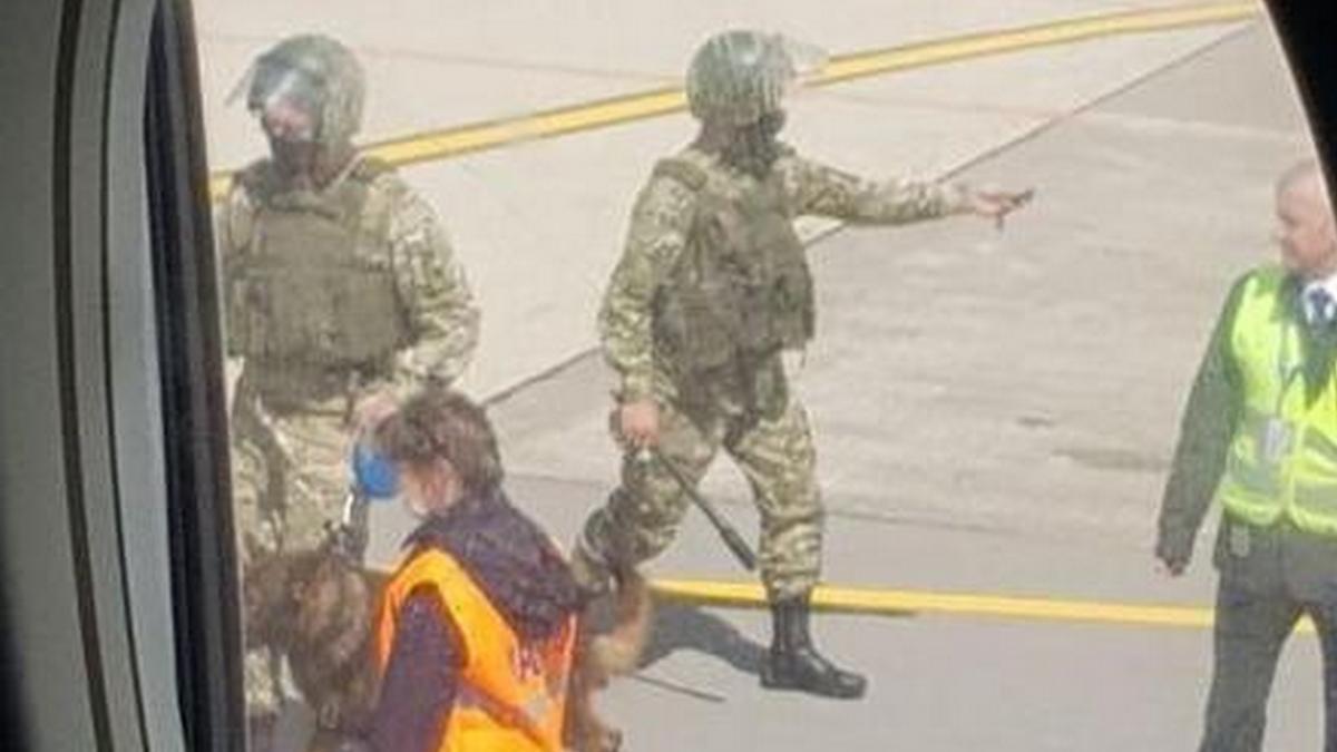 задержание самолета в минске