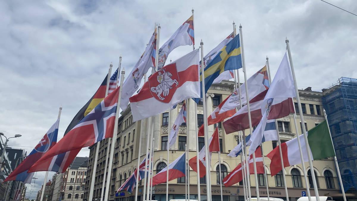 На ЧМ по хоккею сняли российский флаг