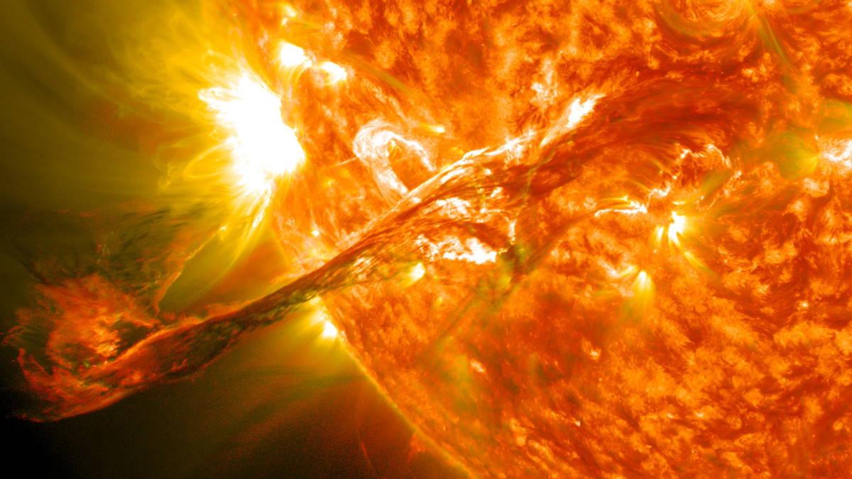 Солнце выброс корональной массы