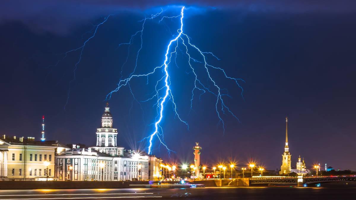 Санкт-Петербург погода гроза