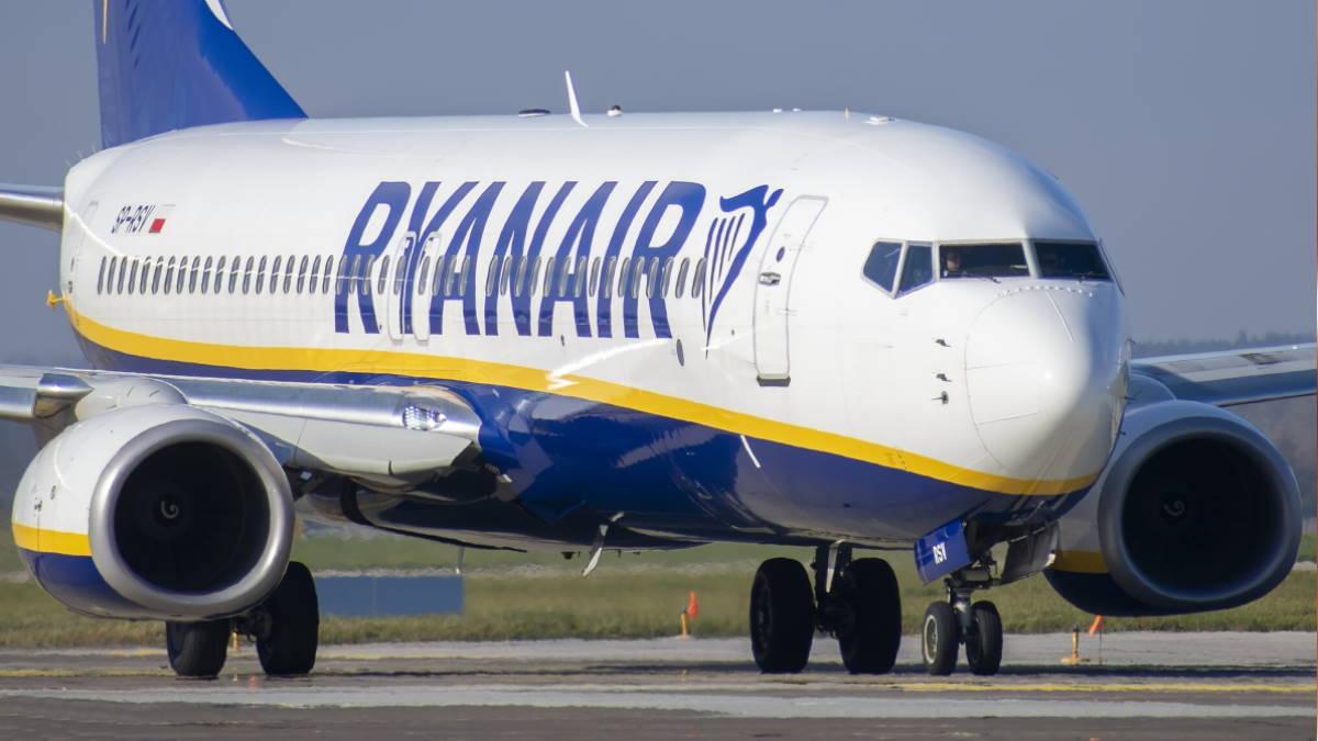 Ryanair Boeing 737-8AS
