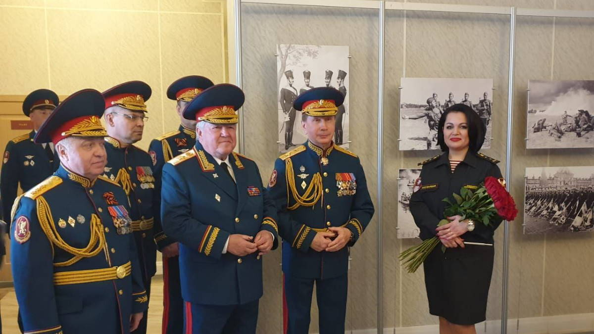 Вручение ордена Кутузова 4-му полку оперативного назначения дивизии им Ф Э Дзержинского
