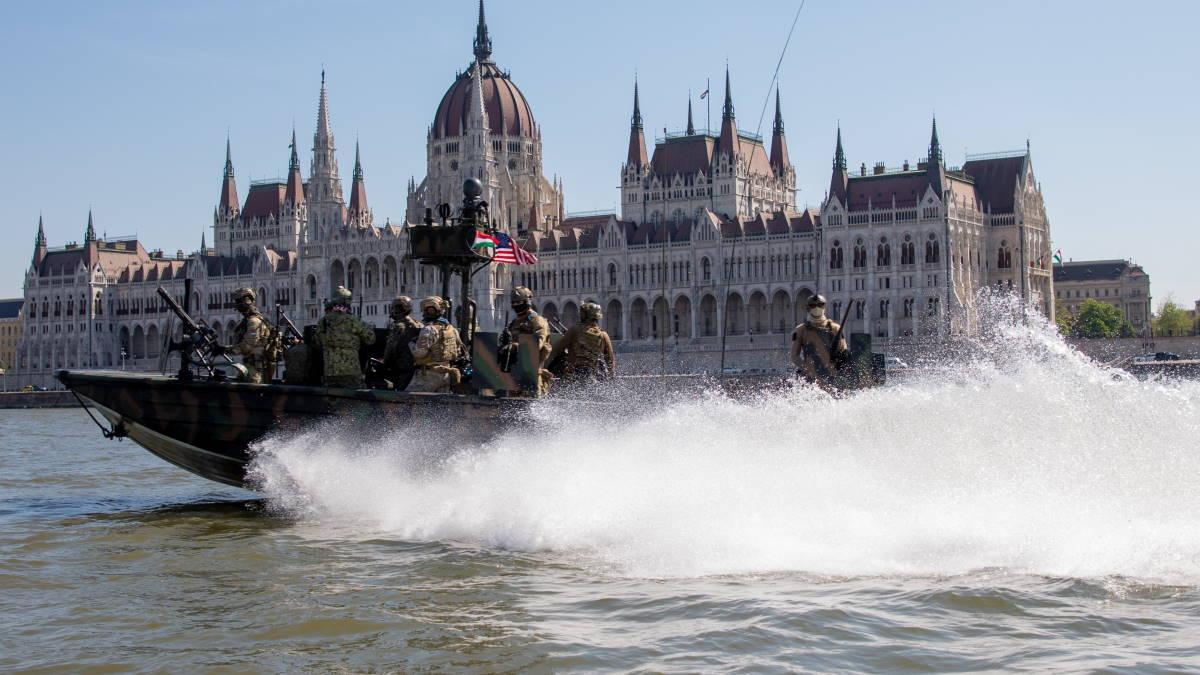 Учения спецназа США на Дунае