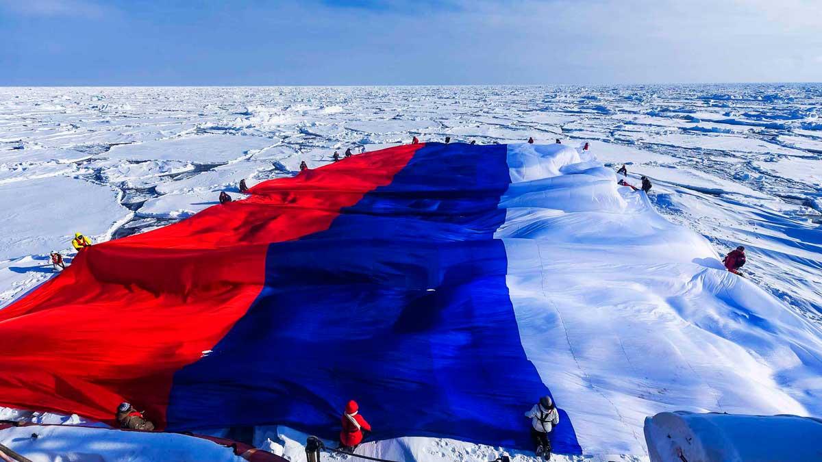 Акватория Северного Ледовитого океана флаг Россия