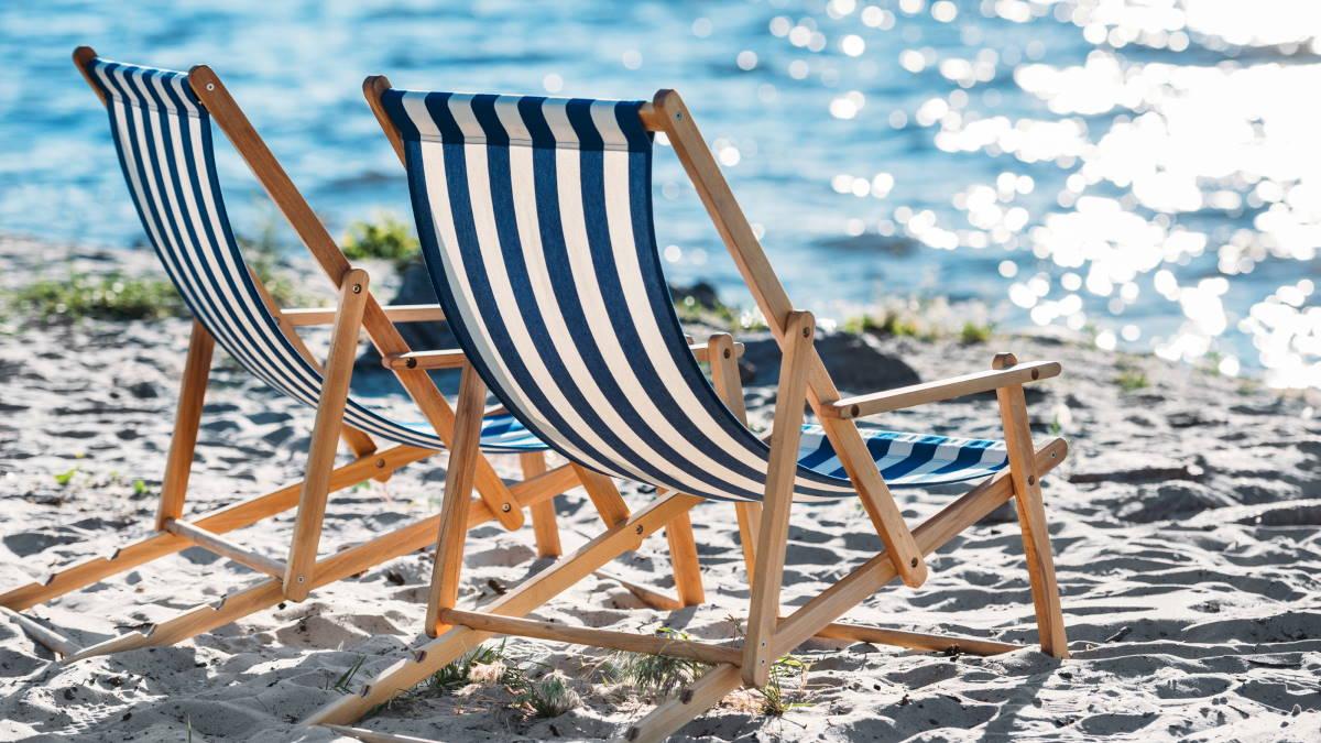 Пляж шезлонги туризм