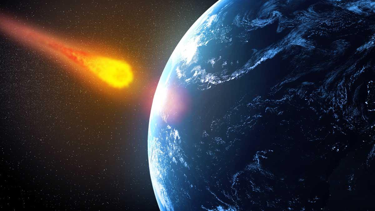 На землю падает космос