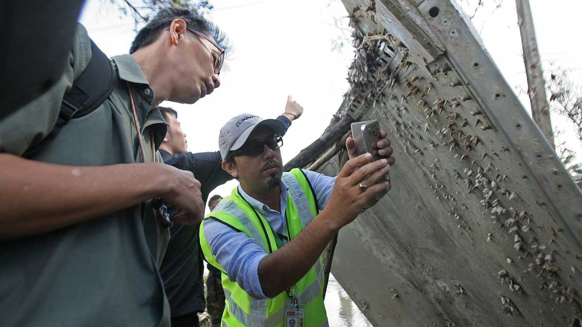 Обломки Боинга 777 рейса MH 370
