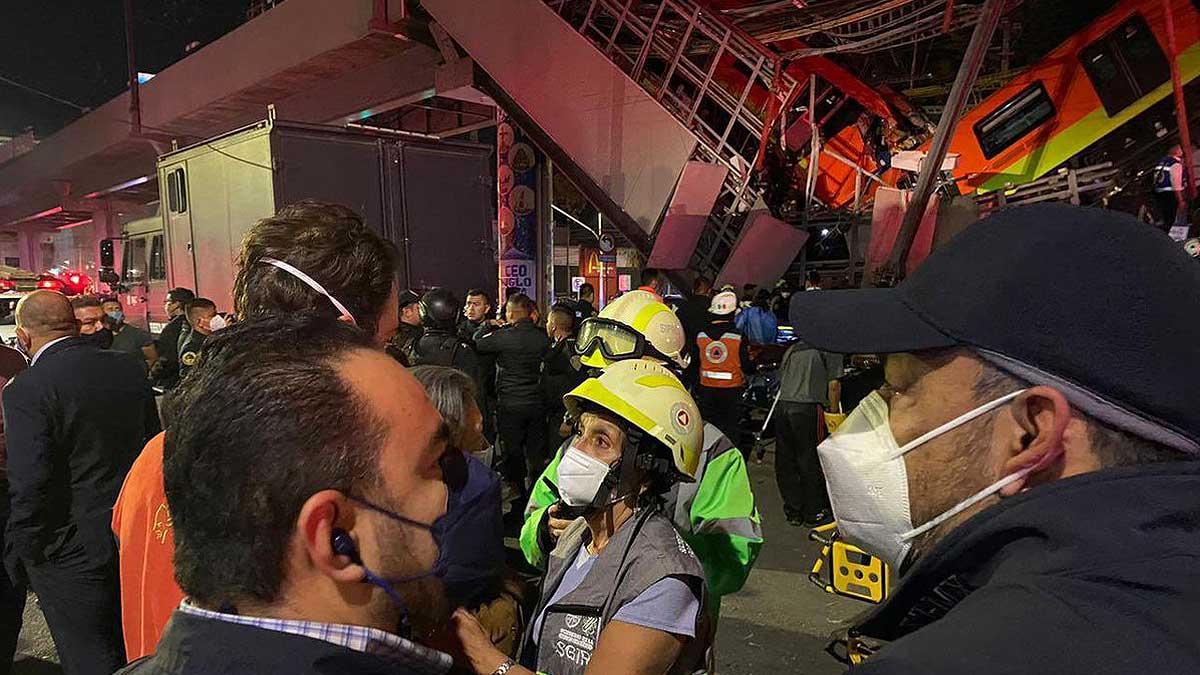 Обрушение метромоста в Мехико