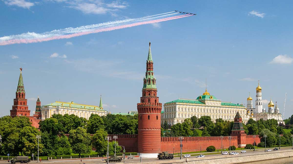 Парад самолеты Кремль Москва