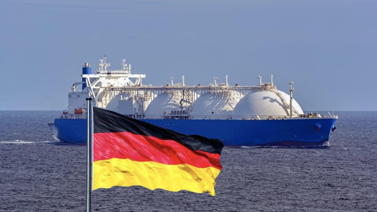 СПГ и флаг Германии