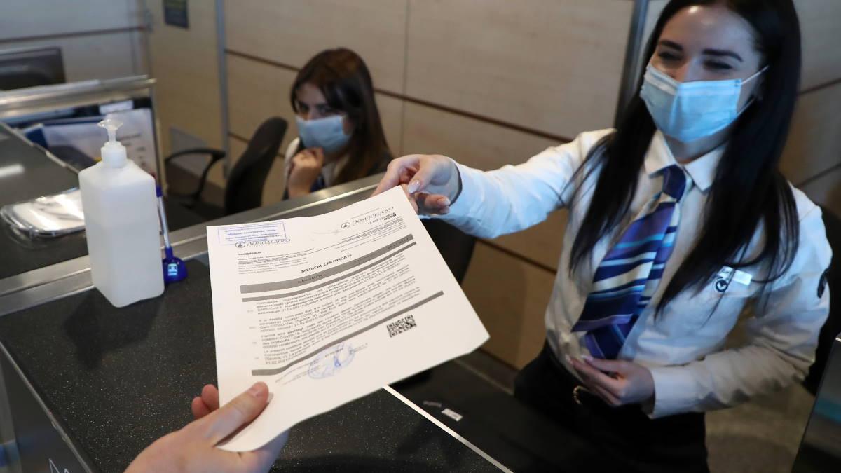 Выдача сертификата международного образца о вакцинации от COVID-19 в аэропорту Домодедово