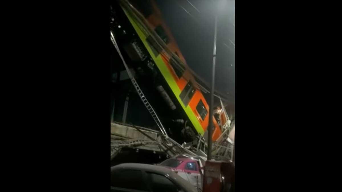 В Мехико рухнул метромост с поездом