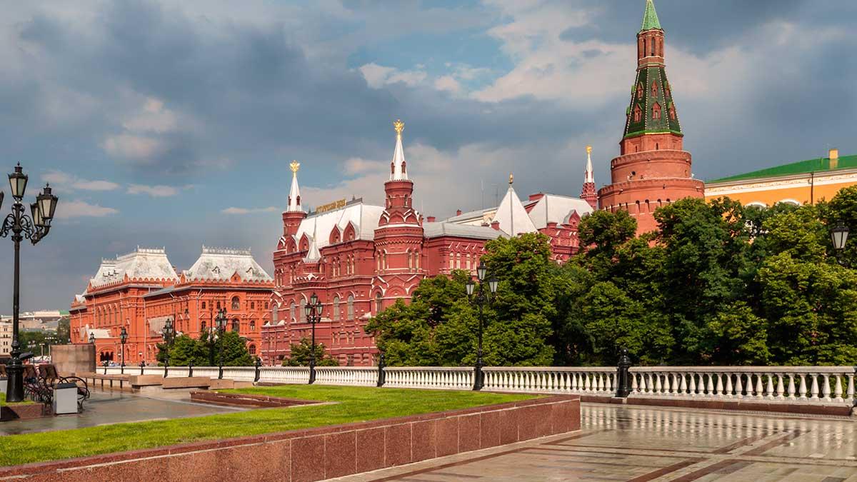 Вид на Кремль после летнего дождя