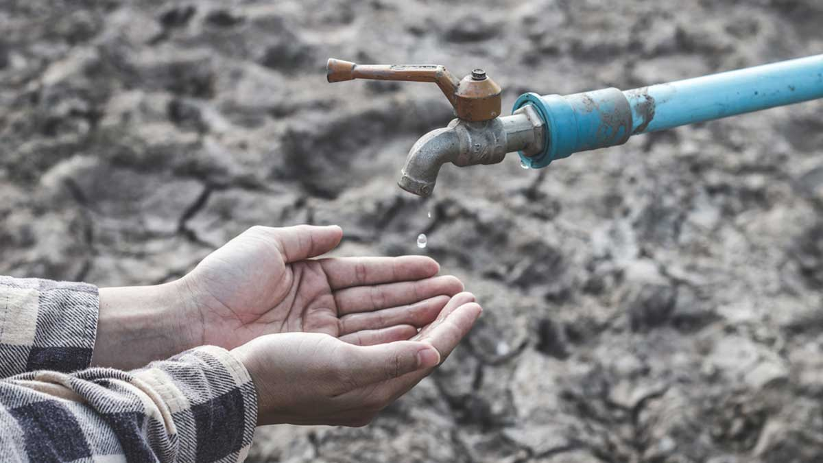 руки кран вода