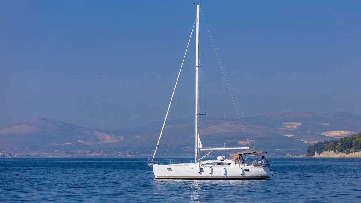 Яхта Турция море