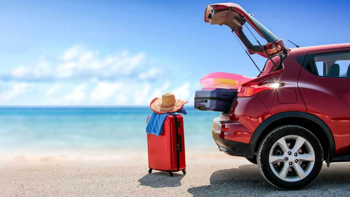 автомобиль море чемодан