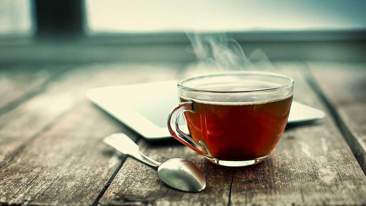 чай ложка чашка планшет стол