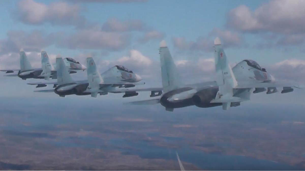 Су-35С парадный строй