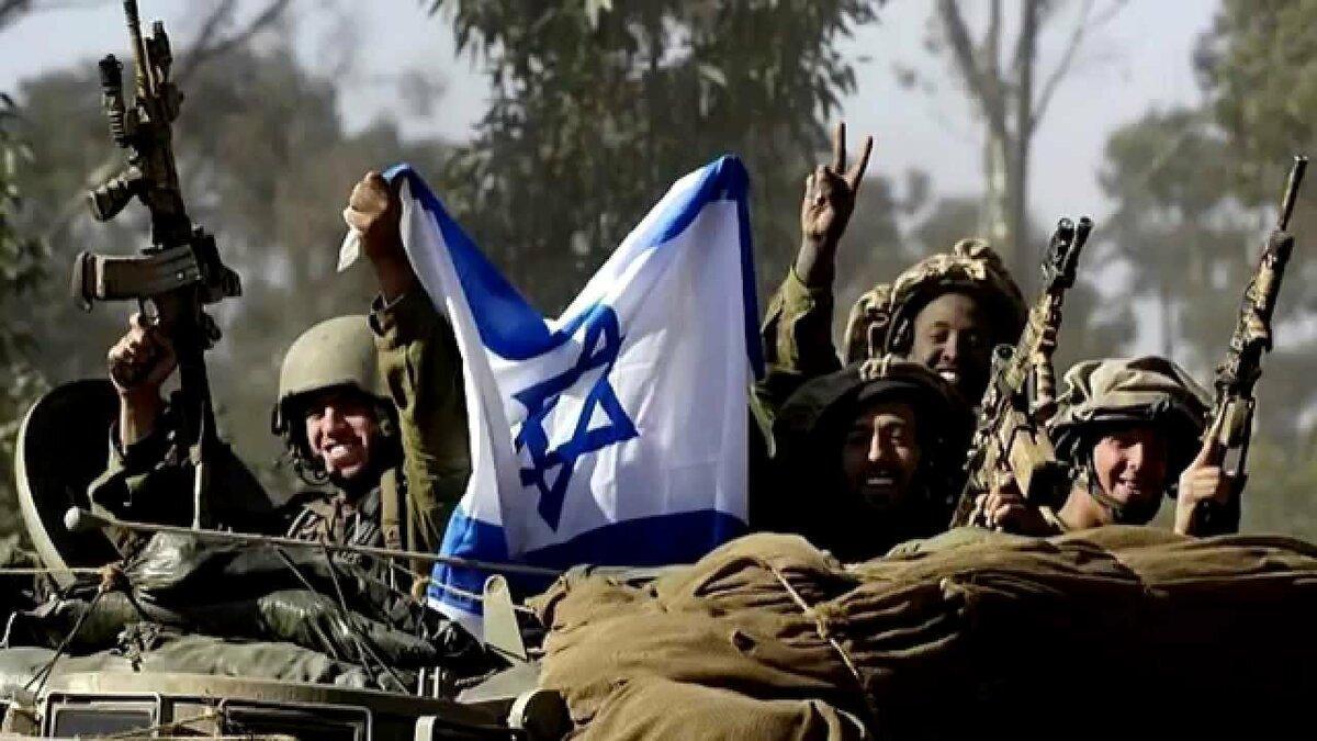 израильские солдаты с флагом