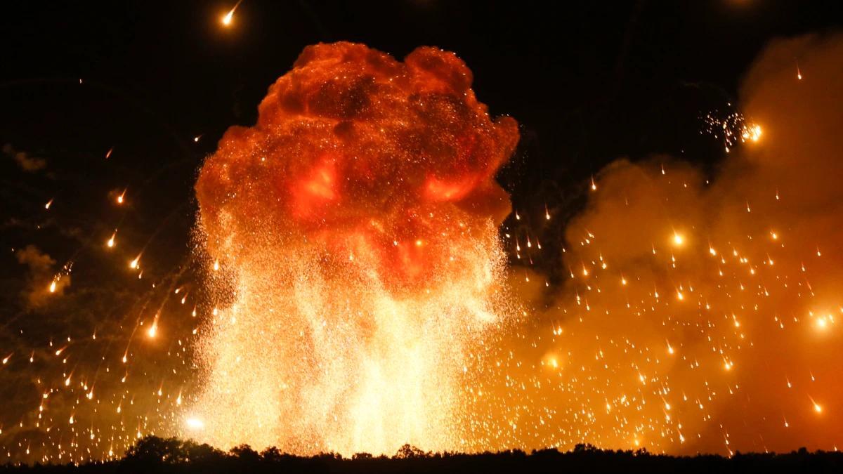 ночной взрыв