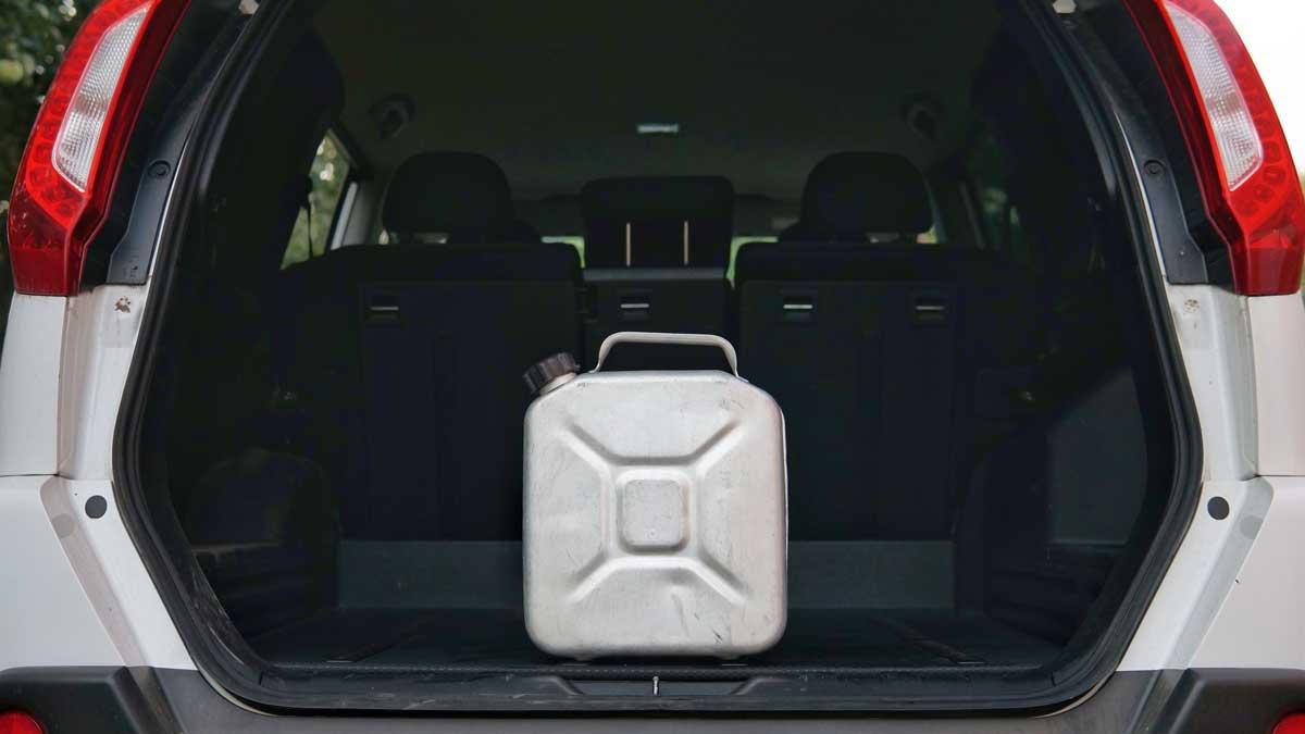канистра багажник машина автомобиль