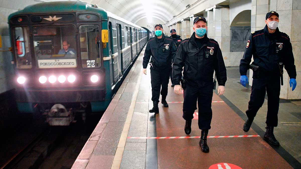 полиция метро Москвы поезд