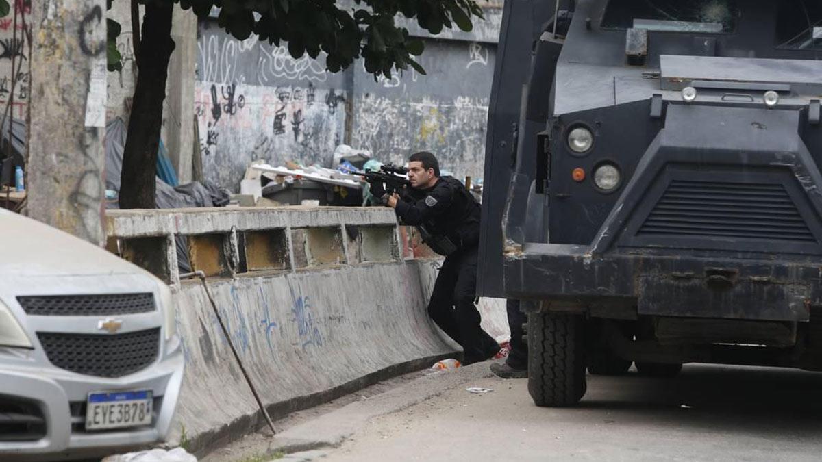 Рио-де-Жанейро перестрелка с полицией бразилия