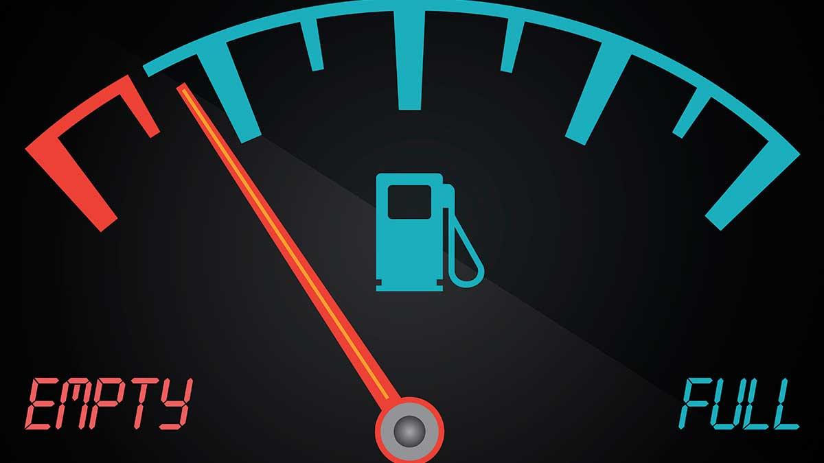 кончается бензин датчик