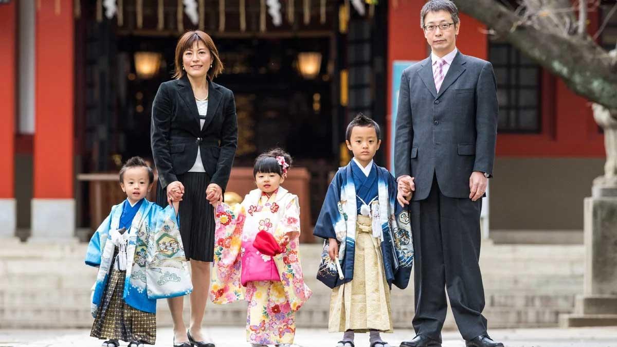 семья Китай три ребенка