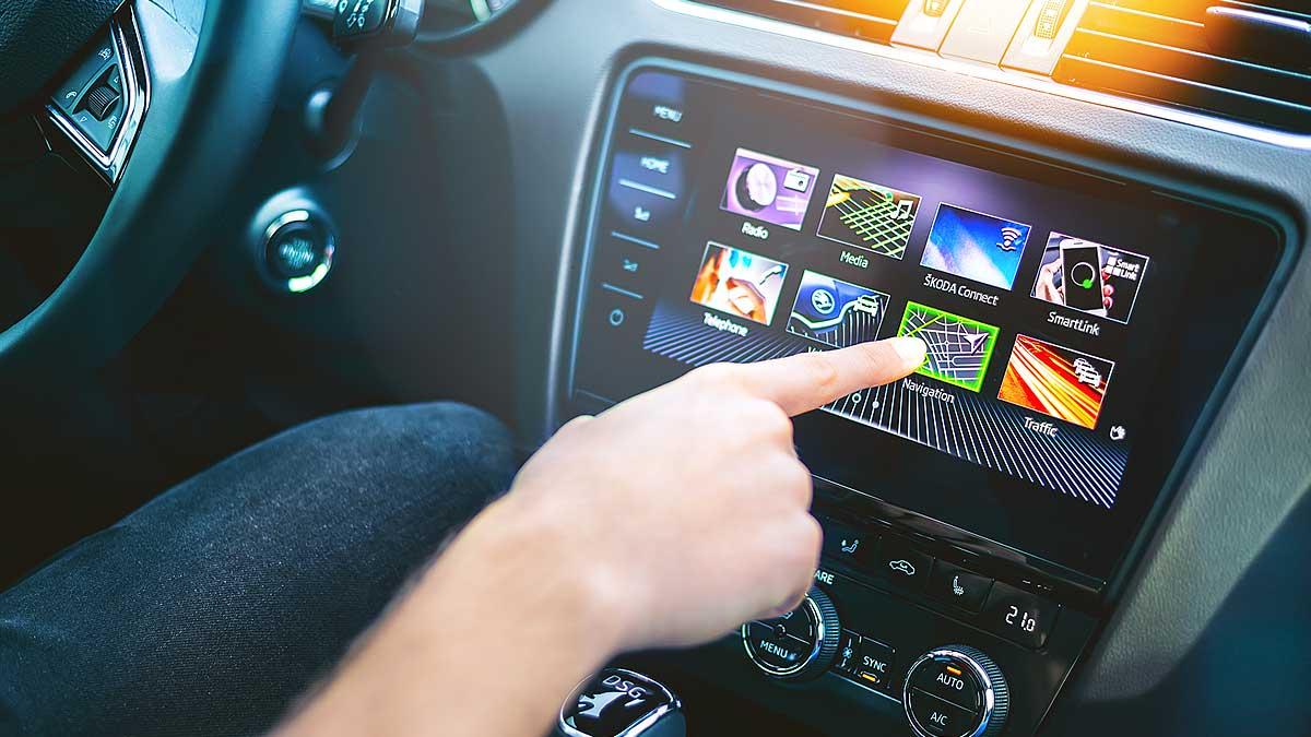 сенсорный экран автомобиль