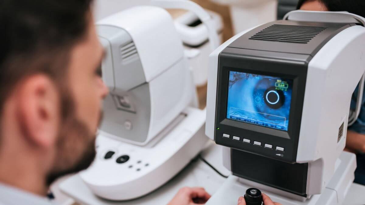 Офтальмолог доктор зрение глаз