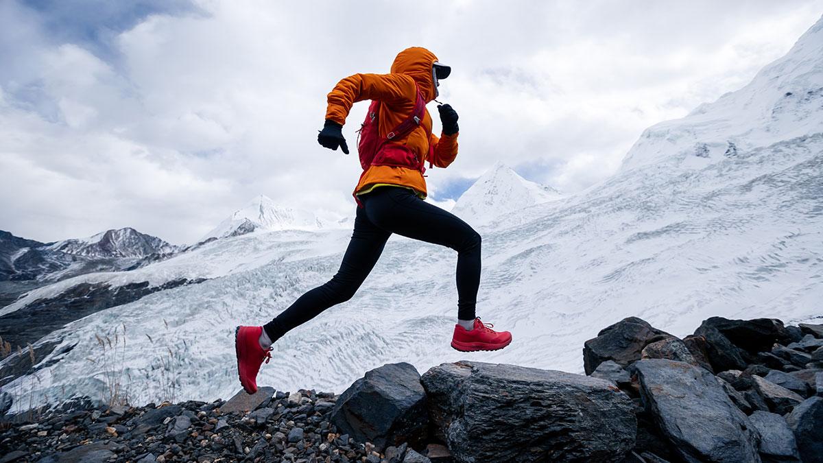 бег в горах снег марафон