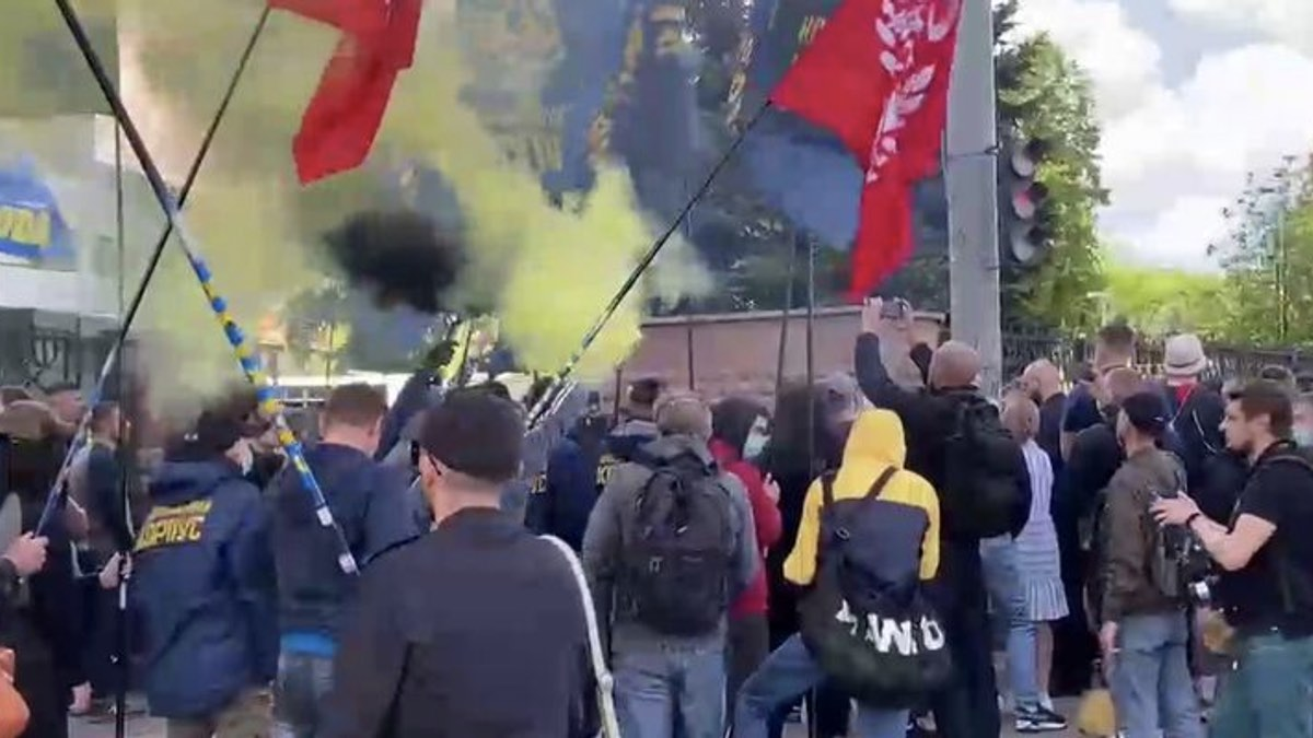 столкновения в киеве 21 мая