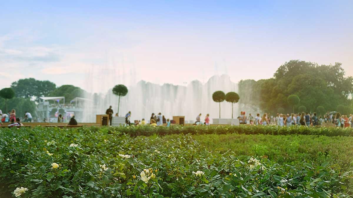 лето Москва фонтаны парк Горького