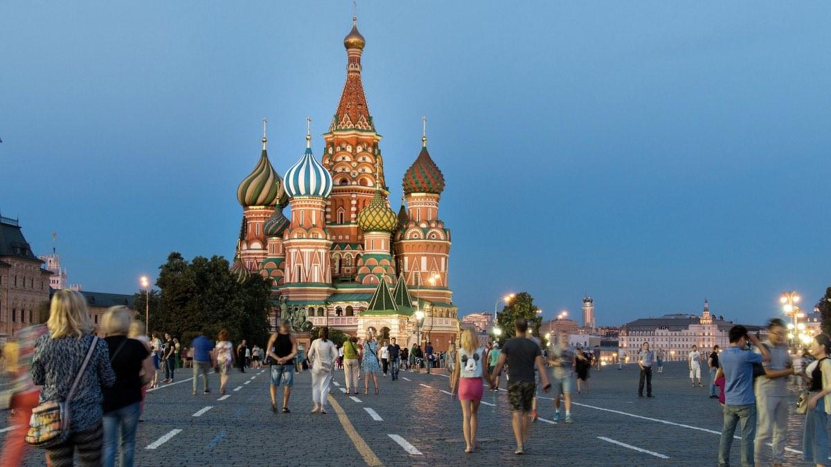 летний вечер в Москве