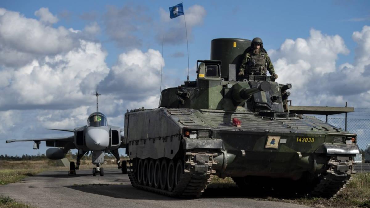 Армия Швеции истребитель JAS-37