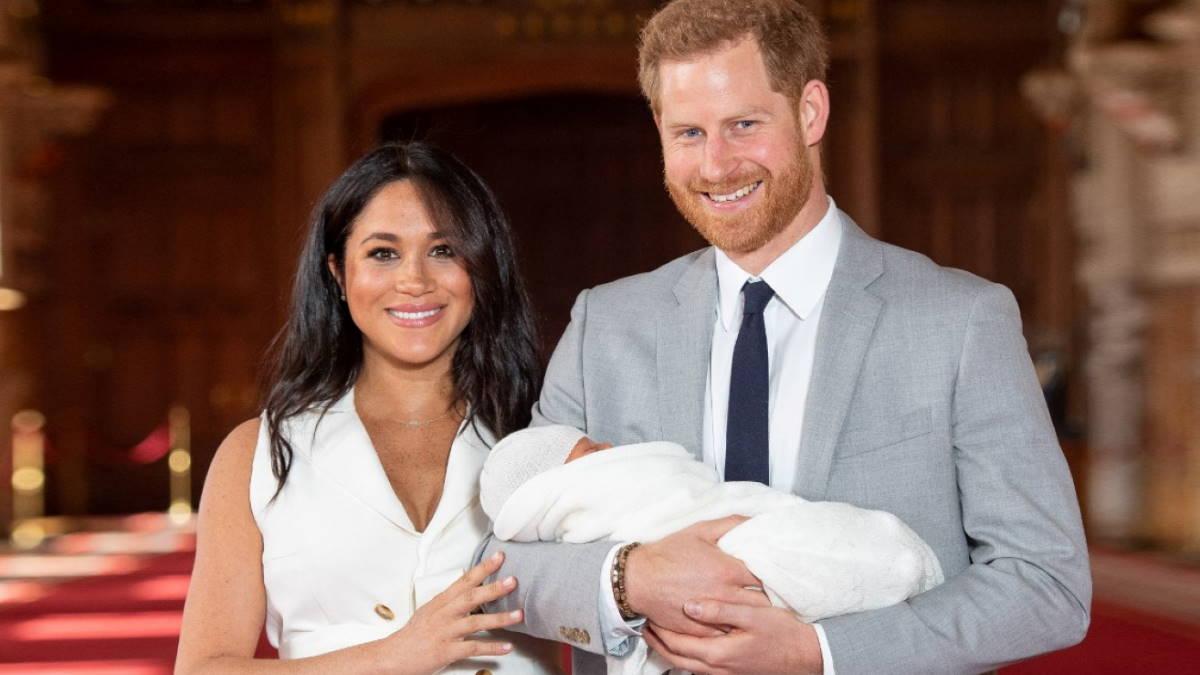 Меган Маркл и принц Гарри и младенец