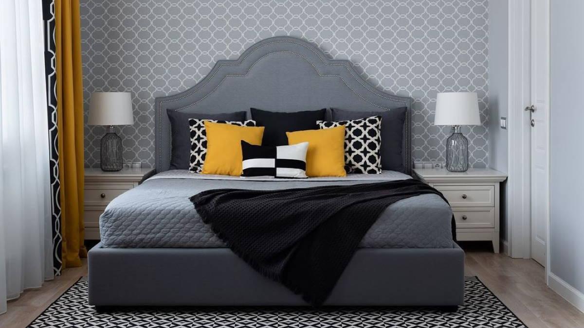 Спальня кровать много подушек