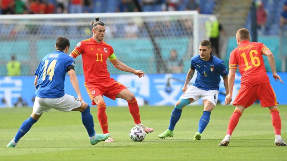 Италия - Уэльс футбол