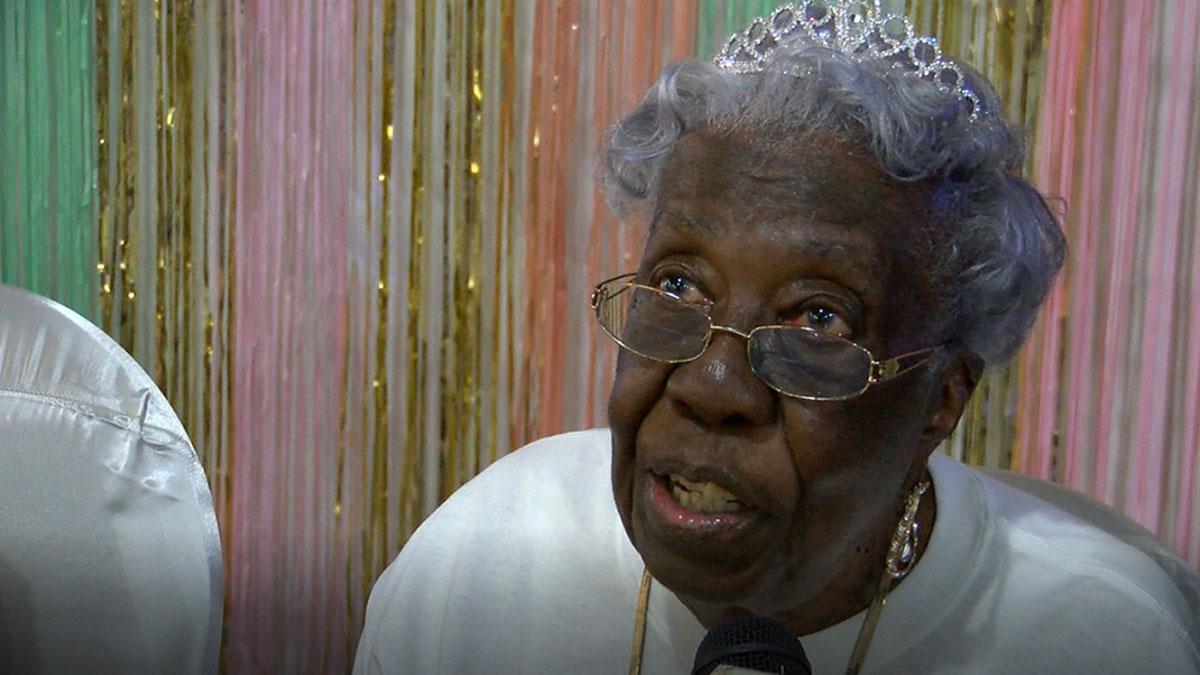Annie Mae Belin 102 года