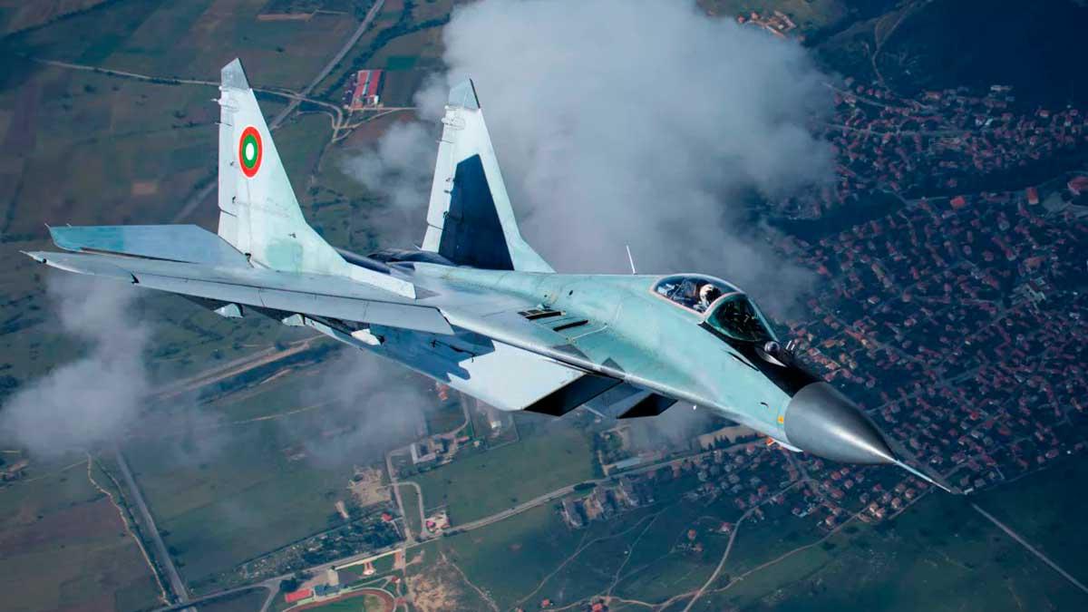 Истребитель ВВС Болгарии упал в Черное море