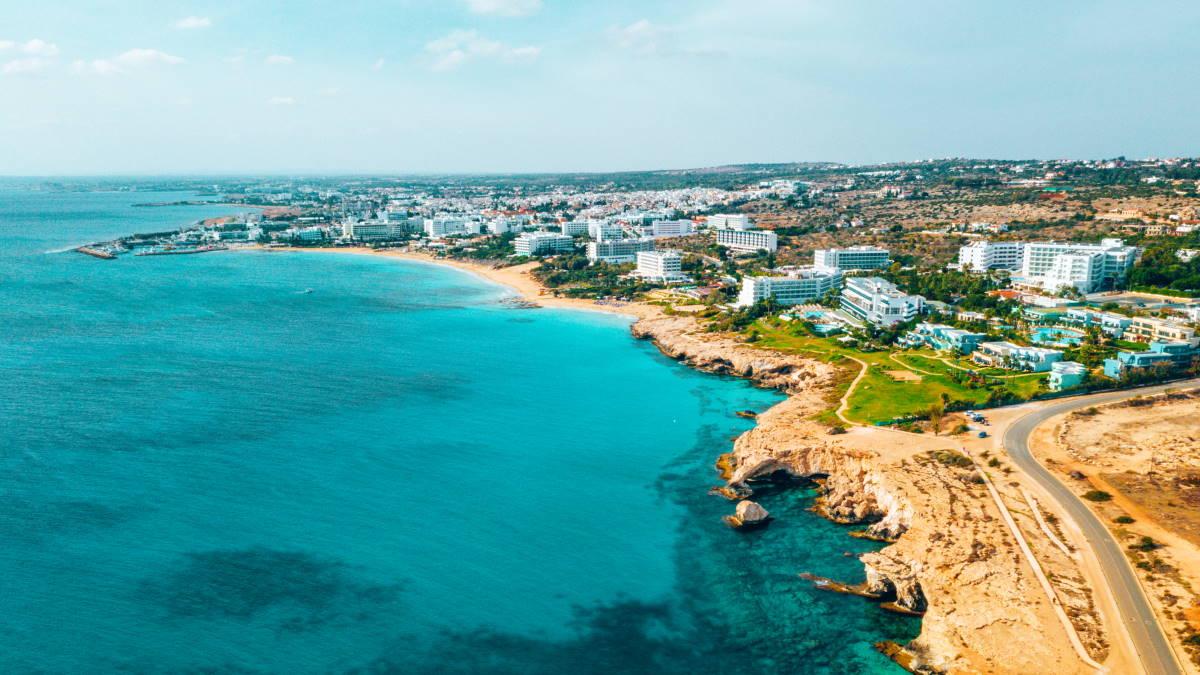 Пляж Нисси Айя-Напа Кипр