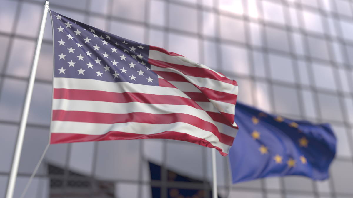 США ЕС Евросоюз Европа флаги