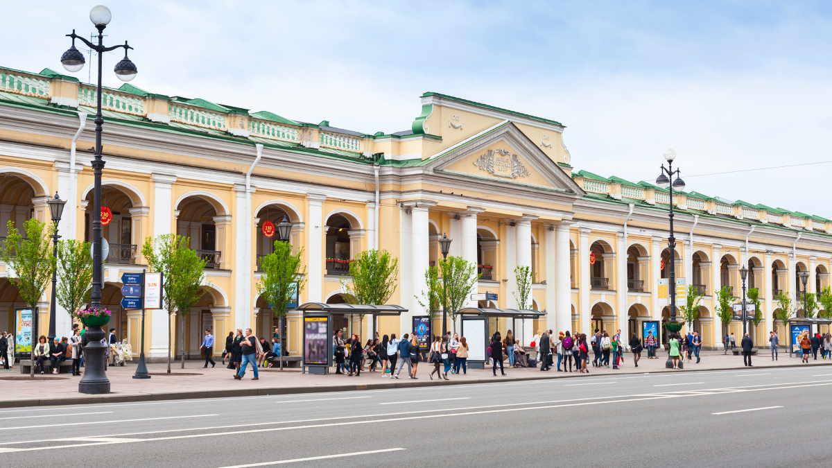 Гостиный двор в Санкт-Петербурге