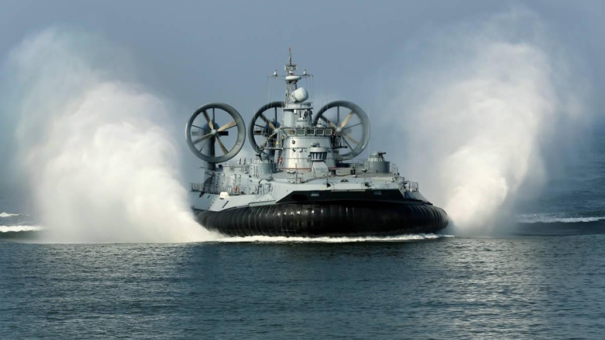 Десантный корабль Евгений Кочешков